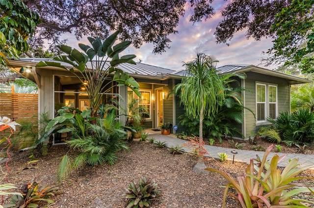 2324 Roselawn Circle, Sarasota, FL 34231 (MLS #A4512258) :: Premium Properties Real Estate Services