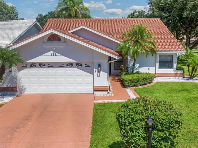 5921 San Michelle Drive, Sarasota, FL 34243 (MLS #A4513111) :: Lockhart & Walseth Team, Realtors