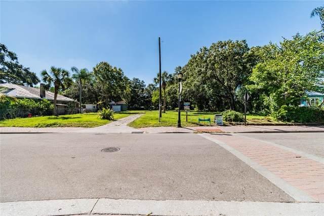 1115 13TH Avenue W, Bradenton, FL 34205 (MLS #A4513678) :: Delgado Home Team at Keller Williams