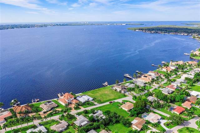 602 Coral Drive, Cape Coral, FL 33904 (MLS #A4515223) :: Expert Advisors Group