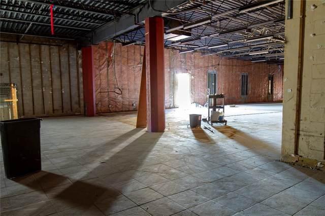 2704 14TH Street W, Bradenton, FL 34205 (MLS #A4515422) :: CARE - Calhoun & Associates Real Estate