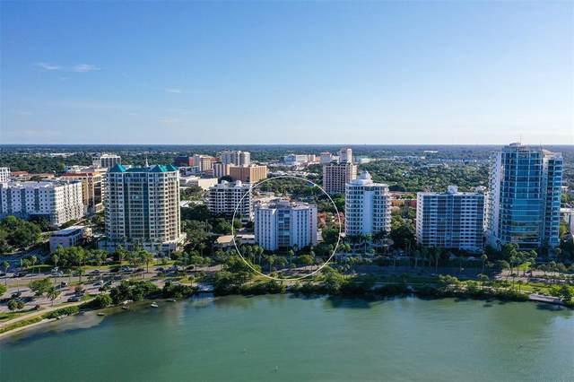 435 S Gulfstream Avenue #806, Sarasota, FL 34236 (MLS #A4515671) :: The Kardosh Team