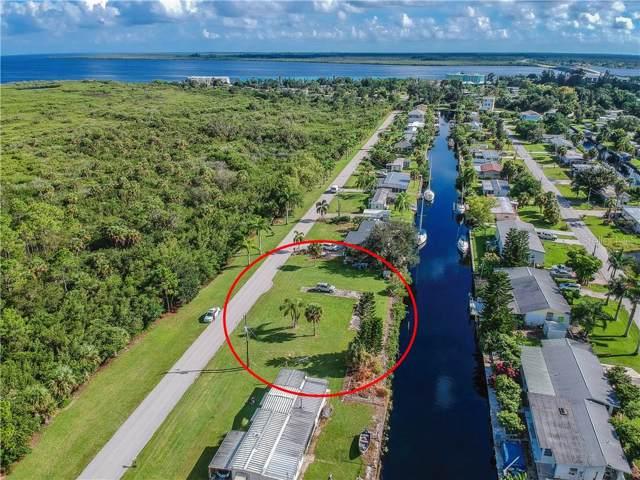 4211 Hollis Avenue, Port Charlotte, FL 33953 (MLS #C7419566) :: The Duncan Duo Team