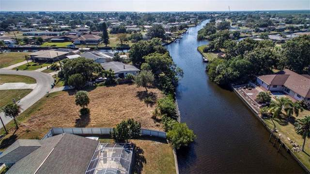 154 Cambridge Drive NW, Port Charlotte, FL 33952 (MLS #C7424619) :: Bustamante Real Estate