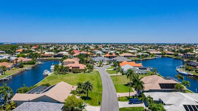 3419 Saint Croix Court, Punta Gorda, FL 33950 (MLS #C7428632) :: Zarghami Group