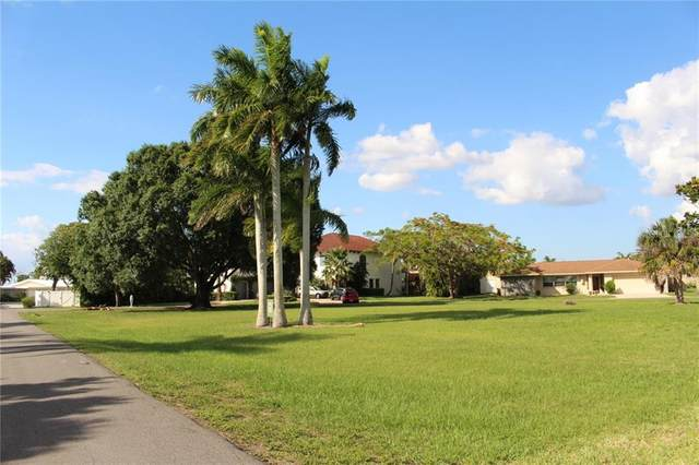 5412 Parker Drive, Fort Myers, FL 33919 (MLS #C7429302) :: Rabell Realty Group