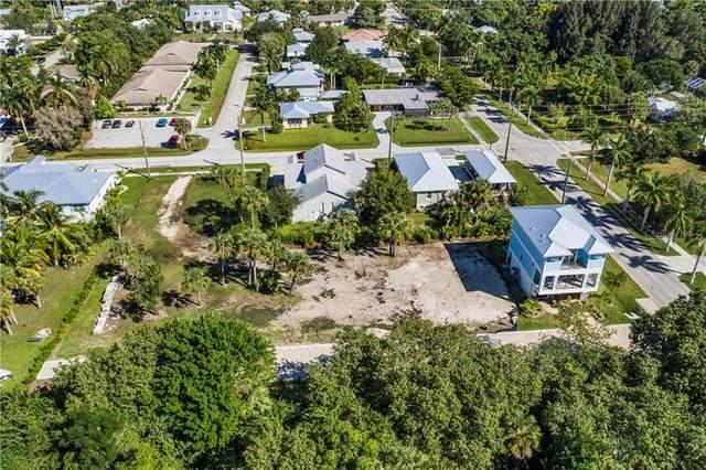 910 W Olympia Avenue, Punta Gorda, FL 33950 (MLS #C7435476) :: Delgado Home Team at Keller Williams