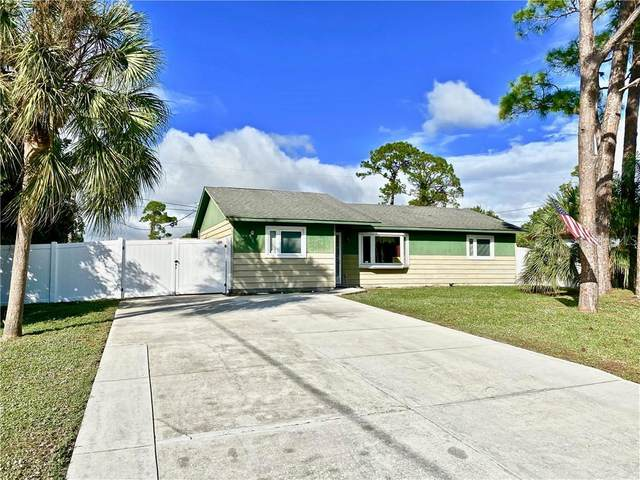 2725 Rock Creek Drive, Port Charlotte, FL 33948 (MLS #C7435877) :: Bustamante Real Estate