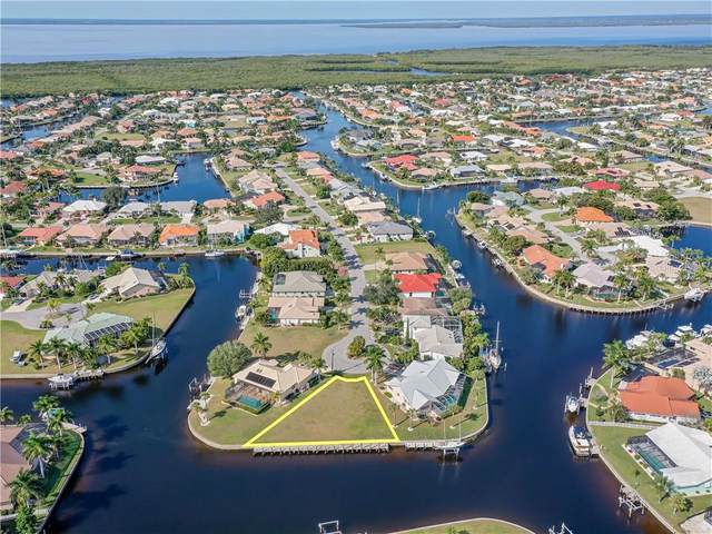 2300 Saint Davids Island Court, Punta Gorda, FL 33950 (MLS #C7437370) :: Premier Home Experts