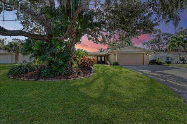 7641 Sandalwood Way, Sarasota, FL 34231 (MLS #C7437906) :: The Lersch Group