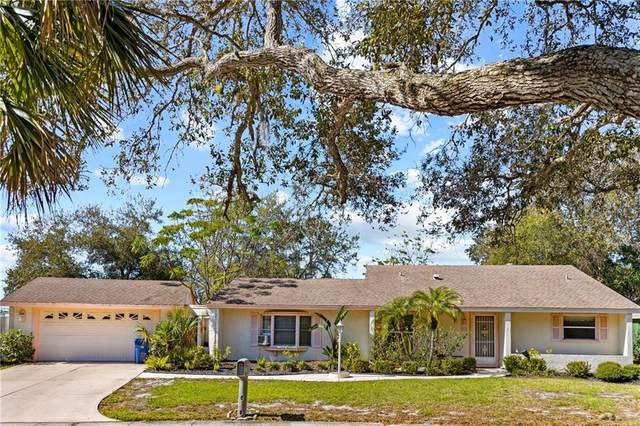 2110 Pine Gardens Trail, Sarasota, FL 34231 (MLS #C7439067) :: Dalton Wade Real Estate Group