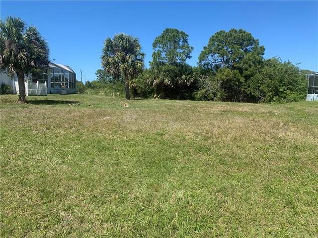 1074 Rotonda Circle, Rotonda West, FL 33947 (MLS #C7440515) :: Team Borham at Keller Williams Realty
