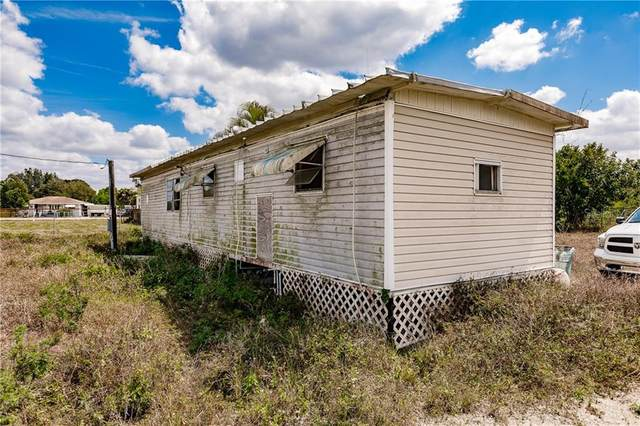 2259 Zoysia Lane, North Fort Myers, FL 33917 (MLS #C7440781) :: Dalton Wade Real Estate Group