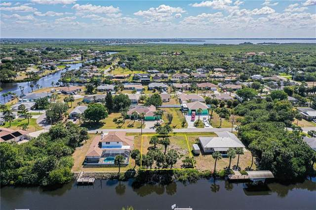 4638 Fallon Circle, Port Charlotte, FL 33948 (MLS #C7441146) :: The Kardosh Team