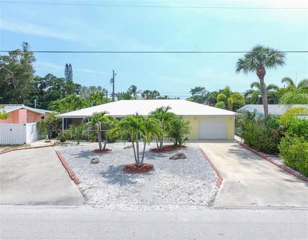 1350 Holiday Drive, Englewood, FL 34223 (MLS #C7442809) :: MavRealty