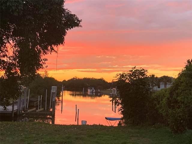 530 Palmetto Drive NE, Port Charlotte, FL 33952 (MLS #C7443027) :: EXIT King Realty
