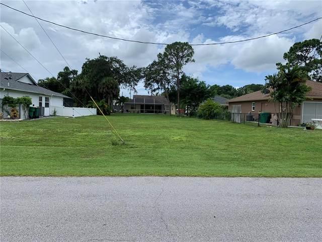 109 Spur Drive, Rotonda West, FL 33947 (MLS #C7449032) :: The Robertson Real Estate Group