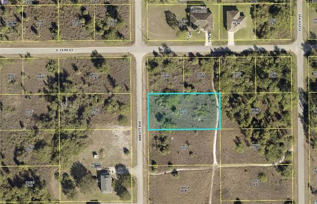 1820 Abbott Avenue, Lehigh Acres, FL 33972 (MLS #C7449105) :: The Hesse Team