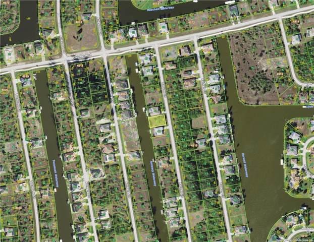 8108 Burwell Circle, Port Charlotte, FL 33981 (MLS #D6109616) :: Team Vasquez Group