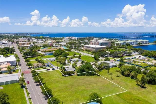 406 E Olympia Avenue, Punta Gorda, FL 33950 (MLS #D6113335) :: KELLER WILLIAMS ELITE PARTNERS IV REALTY