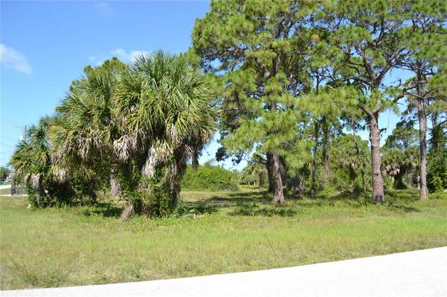2 Tee View Road, Rotonda West, FL 33947 (MLS #D6118711) :: Kelli and Audrey at RE/MAX Tropical Sands