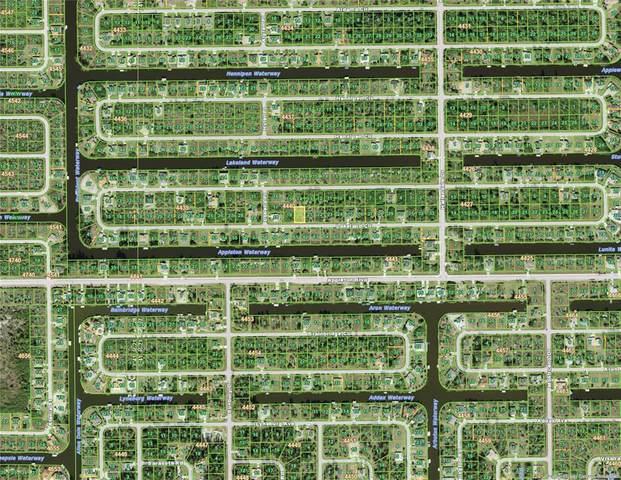 15457 Lakeland Circle, Port Charlotte, FL 33981 (MLS #D6119335) :: Coldwell Banker Vanguard Realty