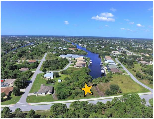 9555 Hallendale Drive, Port Charlotte, FL 33981 (MLS #D6121421) :: Delgado Home Team at Keller Williams