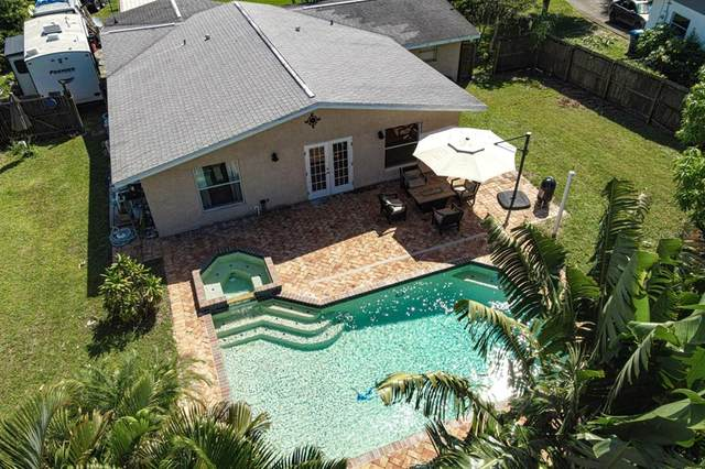 720 Orchard Lane, Englewood, FL 34223 (MLS #D6121494) :: The Truluck TEAM