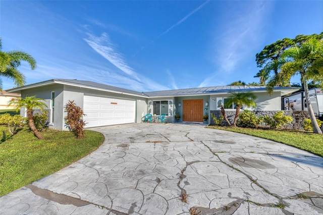 360 E Wentworth Circle, Englewood, FL 34223 (MLS #D6121778) :: The Duncan Duo Team