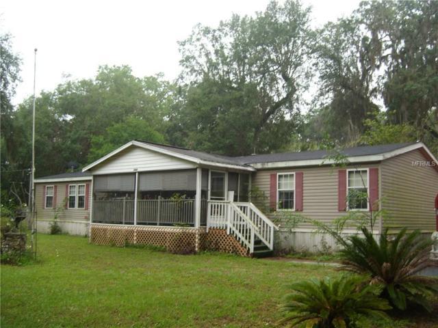 2686 NW C 470, Lake Panasoffkee, FL 33538 (MLS #G4855250) :: The Duncan Duo Team