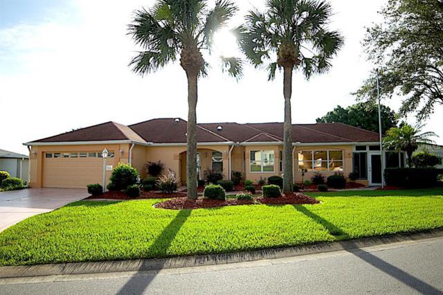 1156 Paradise Drive, Lady Lake, FL 32159 (MLS #G5001853) :: The Duncan Duo Team