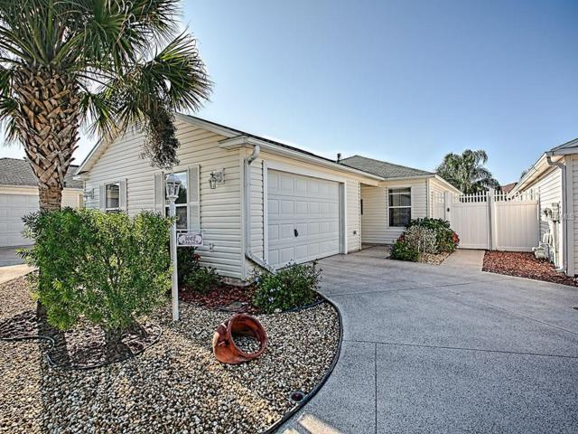1662 Carlton Lane, The Villages, FL 32162 (MLS #G5009626) :: Revolution Real Estate