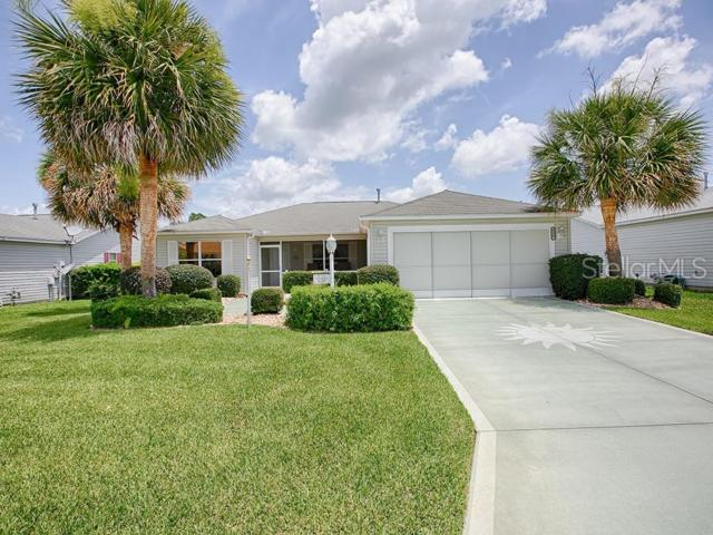 8127 SE 175TH COLUMBIA Place, The Villages, FL 32162 (MLS #G5017248) :: Lovitch Realty Group, LLC