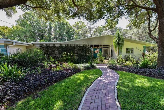908 N Lakeshore Boulevard, Howey in the Hills, FL 34737 (MLS #G5018709) :: Cartwright Realty