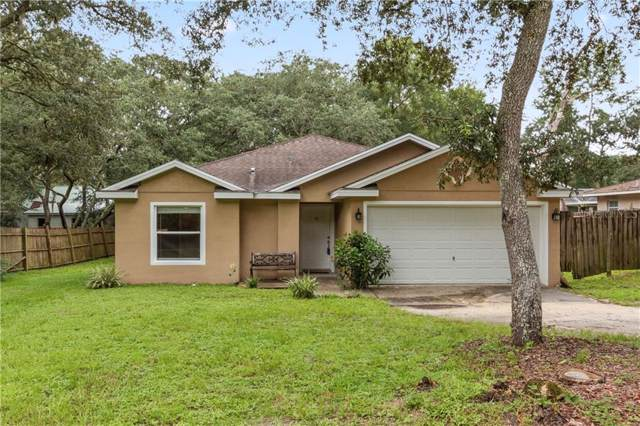 40127 Oakridge Drive, Lady Lake, FL 32159 (MLS #G5019562) :: The Robertson Real Estate Group