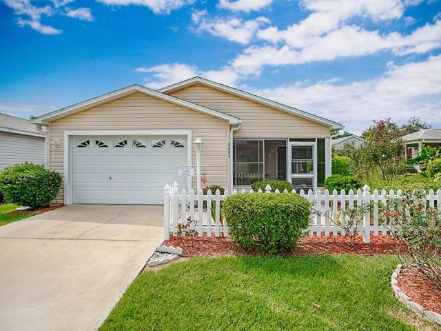 2484 Kingstree Place, The Villages, FL 32162 (MLS #G5020476) :: The Duncan Duo Team