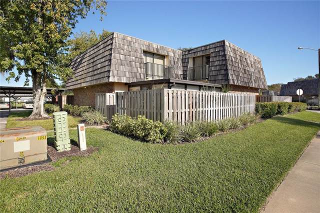 1027 Royal Oak Boulevard, Leesburg, FL 34748 (MLS #G5022806) :: Team Bohannon Keller Williams, Tampa Properties