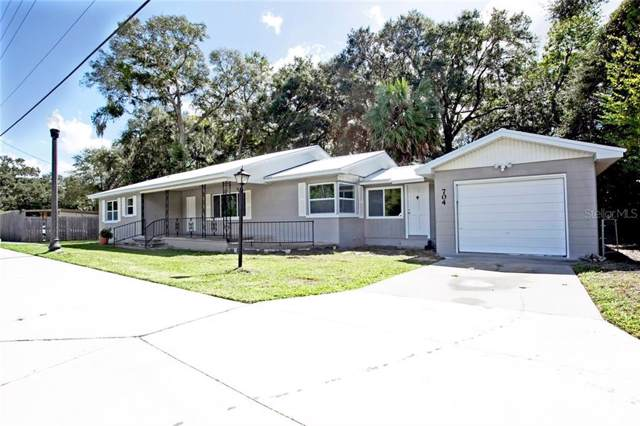 704 Cleveland Avenue, Wildwood, FL 34785 (MLS #G5023341) :: The Duncan Duo Team