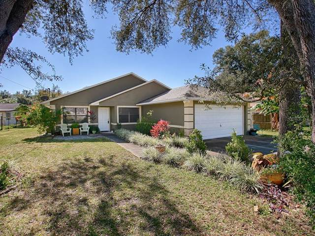 4018 Elm Street, Lady Lake, FL 32159 (MLS #G5023606) :: The Duncan Duo Team