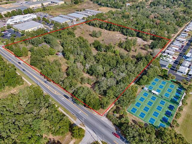 451 Rolling Acres Road, Lady Lake, FL 32159 (MLS #G5025096) :: Carmena and Associates Realty Group