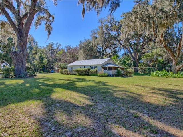 3277 County Road 44A, Wildwood, FL 34785 (MLS #G5025288) :: Griffin Group