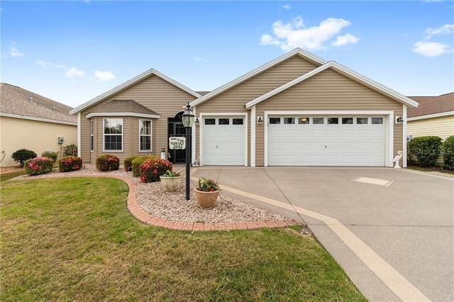 2642 Foxbridge Terrace, The Villages, FL 32162 (MLS #G5026603) :: Bosshardt Realty