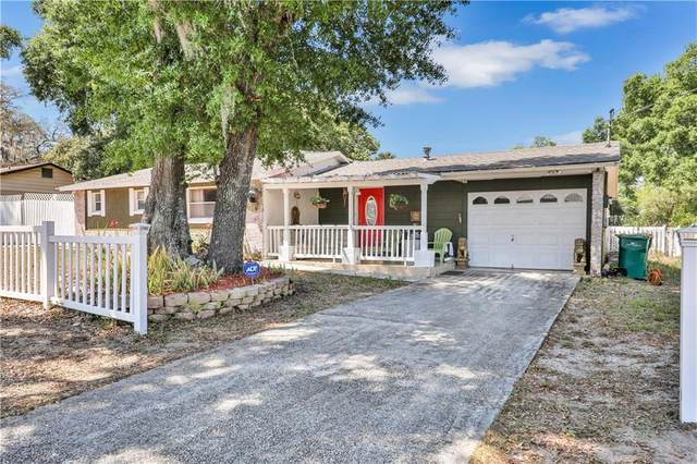 1230 E 1ST Avenue, Mount Dora, FL 32757 (MLS #G5027952) :: Team Bohannon Keller Williams, Tampa Properties