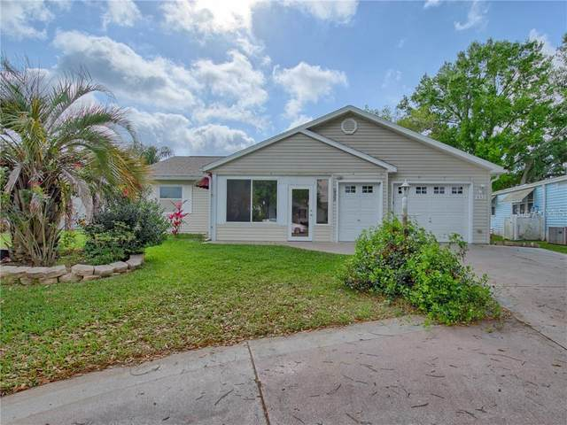 932 Saint Andrews Boulevard, The Villages, FL 32159 (MLS #G5027974) :: Realty Executives in The Villages