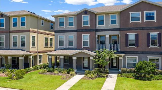 10033 Town Lake Dr, Orlando, FL 32832 (MLS #G5031351) :: Homepride Realty Services