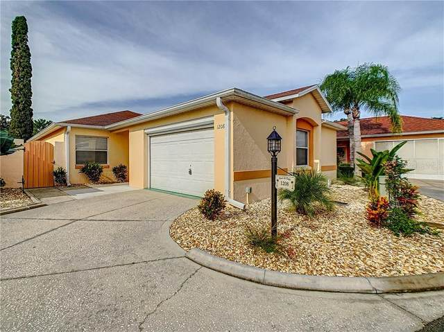 1208 Flores Avenue, The Villages, FL 32159 (MLS #G5032002) :: Realty Executives in The Villages
