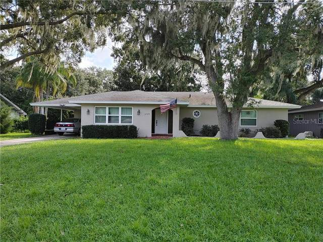 1208 N Sinclair Avenue, Tavares, FL 32778 (MLS #G5033301) :: Carmena and Associates Realty Group