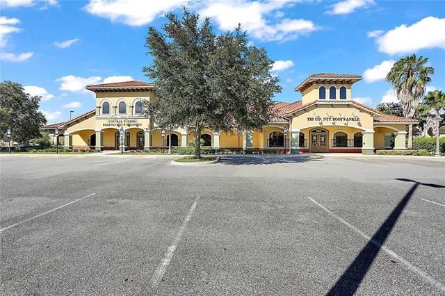 1585 Santa Barbara Boulevard, Lady Lake, FL 32159 (MLS #G5034945) :: Frankenstein Home Team