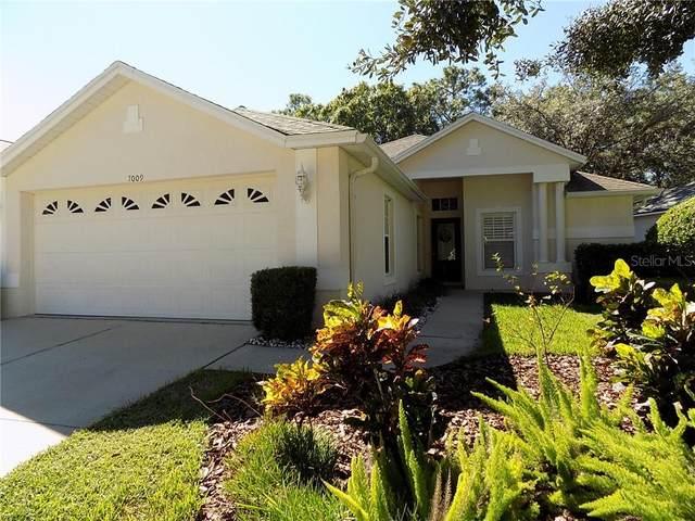 7009 Arcadian Court, Mount Dora, FL 32757 (MLS #G5035377) :: Griffin Group
