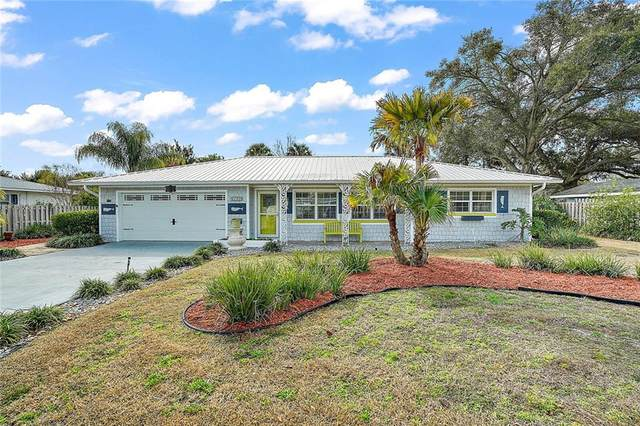 2360 Southland Road, Mount Dora, FL 32757 (MLS #G5037978) :: Realty One Group Skyline / The Rose Team